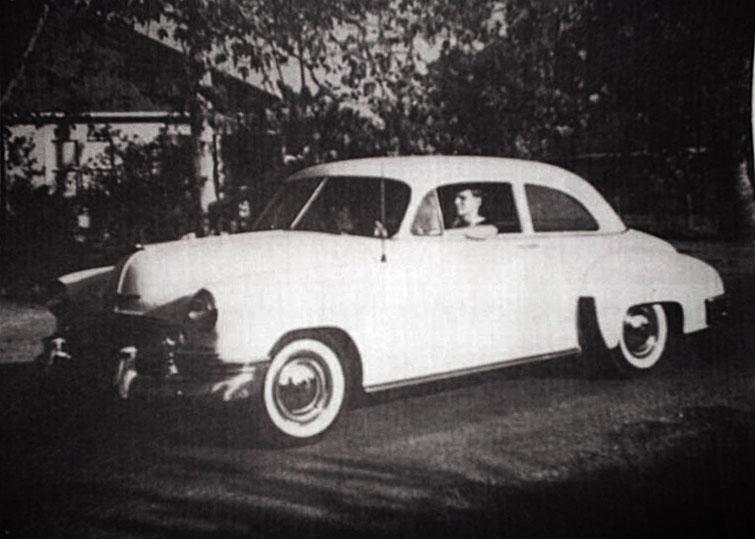 """Chevy'en som den så ud da Watson købte den i 1955 - Indtil videre kun modificeret med """"Babymoon"""" hjulkapsler"""