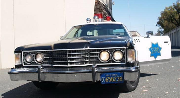 1022787-1974-ford-copcar