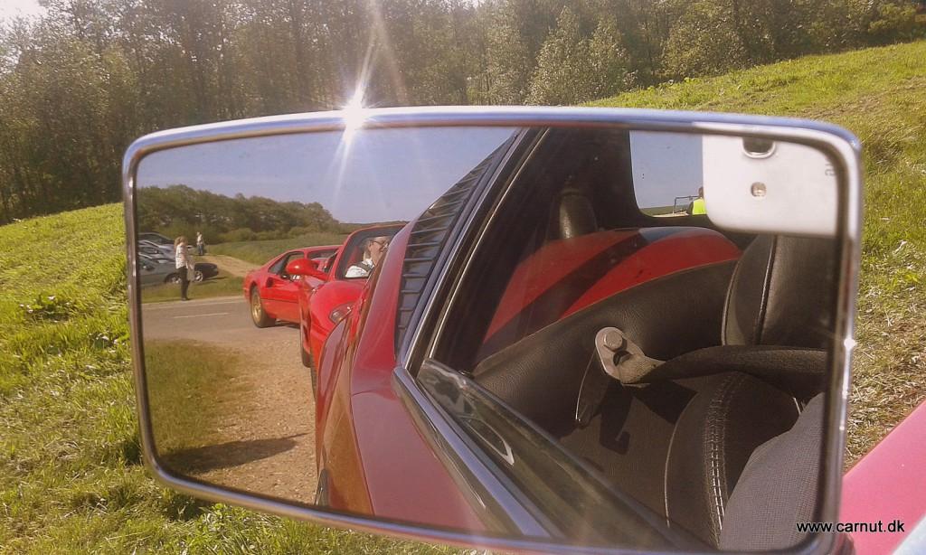 Forfulgt af røde Ferrarier
