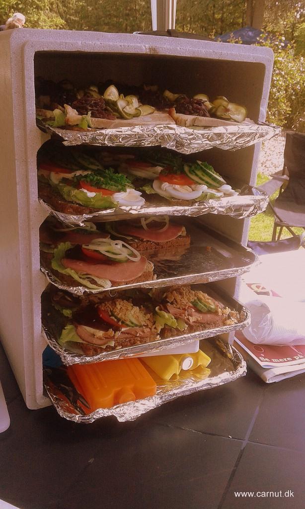 Når dankserne skal hygge skal der mad på bordet - Så det havde vi også på plads.