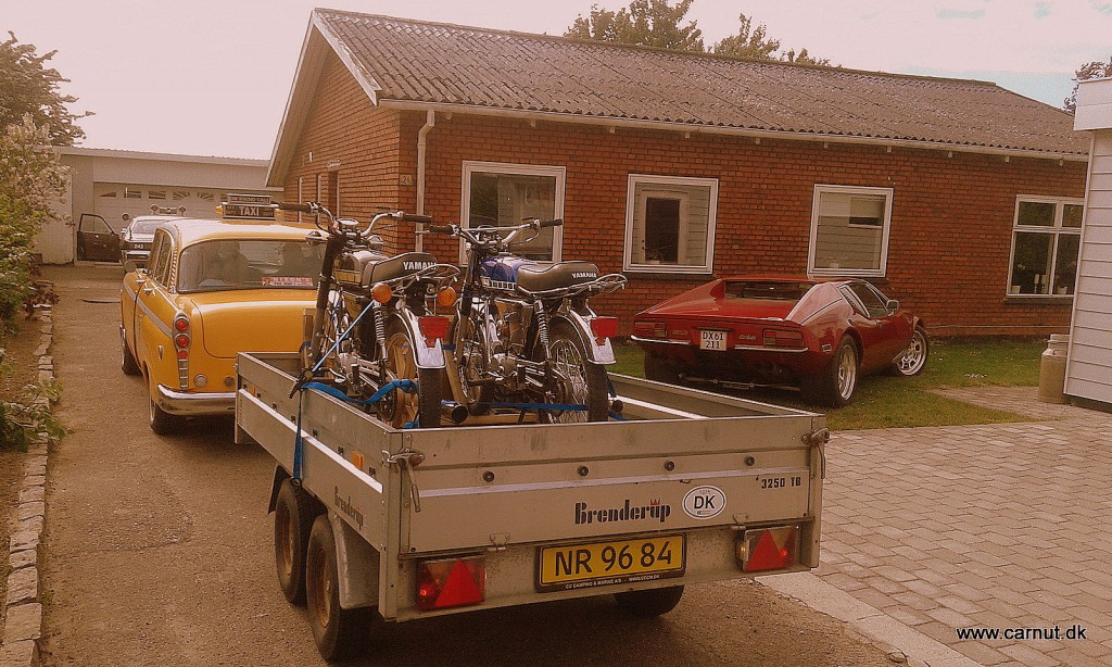 Og Yamaha'erne står stadig sikkert på traileren