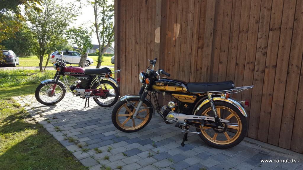 Mine 2 Yamaha'er som var med på traileren efter min Taxi