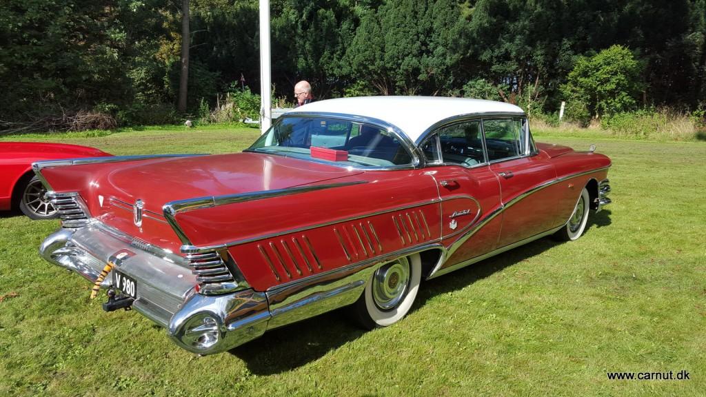 Karina og Tommy's fine 1958 Buick Limited måtte også ud i de fine solskin
